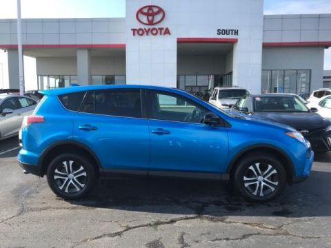Pre-Owned 2018 Toyota RAV4 LE AWD AWD
